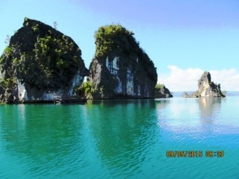 blue water raja ampat