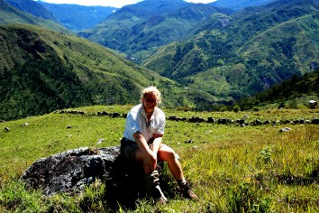 baliem valley hiking